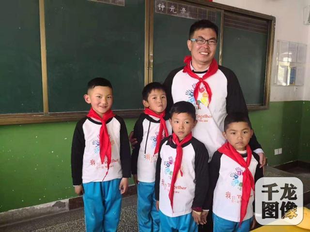 """爱国情·奋斗者 援藏老师何晓波:北京的""""爸爸"""",亚咕嘟!"""