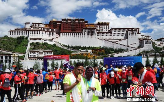 """触达2.5亿人次 半程马拉松成西藏拉萨城市宣传""""金话筒"""""""