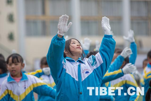 教育滋养让西藏面貌焕然一新