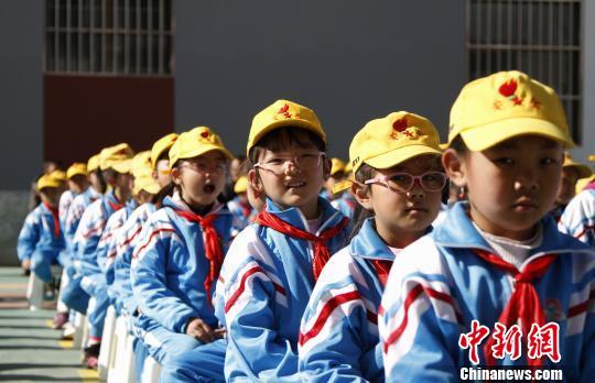 """援藏资源向拉萨小学""""输送""""教育力量"""