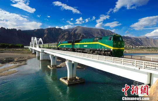 2019年铁路暑运开启 青藏铁路公司多措并举迎接西藏旅游旺季