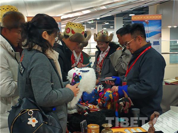 选购正宗藏族特色年货去哪?消费扶贫锁定双创中心365天不落幕
