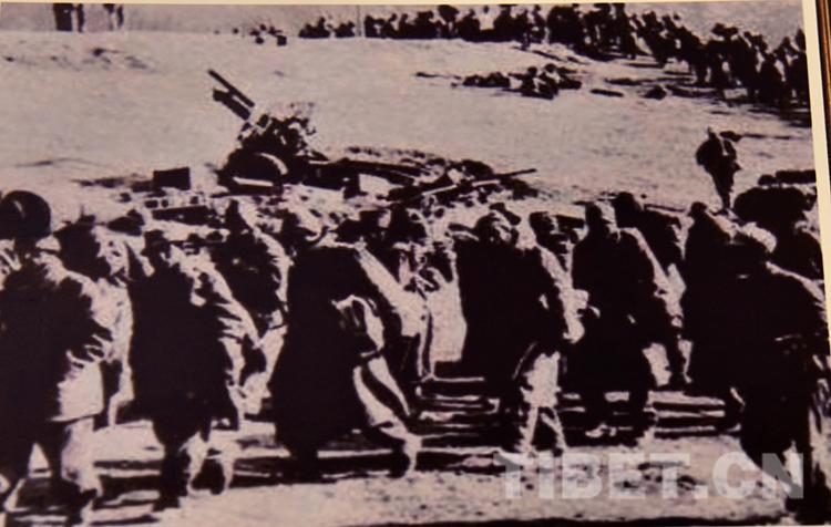 翻雪山、蹚冰河,十八军这样走向西藏