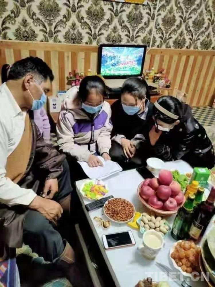 青海:疫情防控泽库学子在行动
