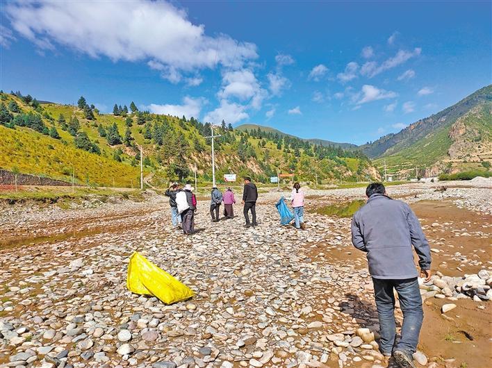 西藏昌都:守护环境 点滴做起