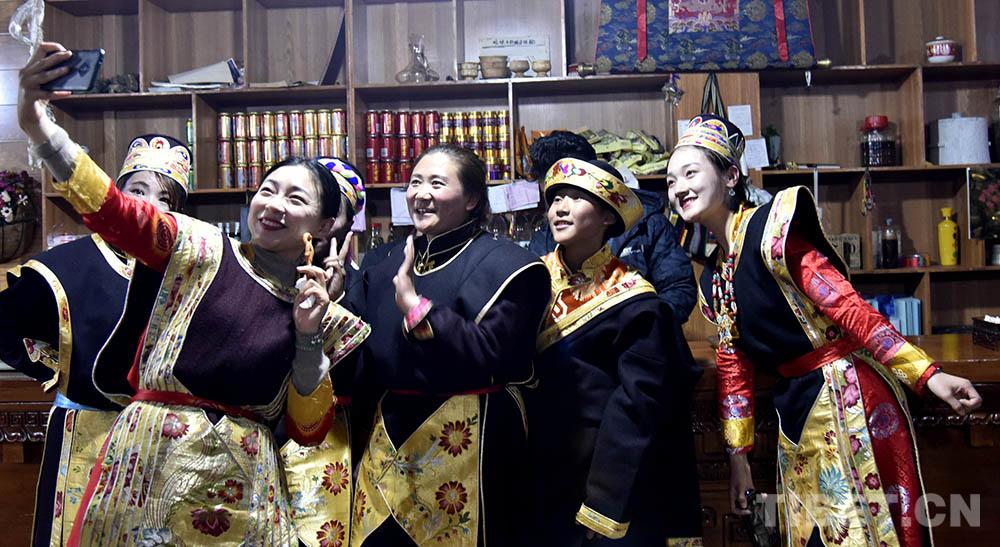 罗莎·扎西德勒 西藏新年