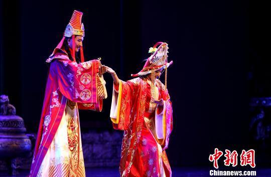 大型藏戏《意卓拉姆》在西宁首演