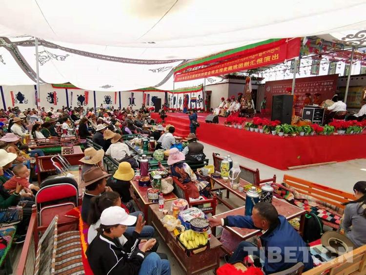 有300余年历史的村庄藏戏队 望果节期间精彩上演《朗萨雯蚌》