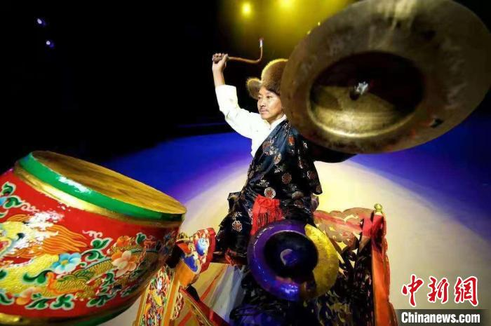 藏戲司鼓師扎西旺杰:一鼓一鈸成就藝術人生