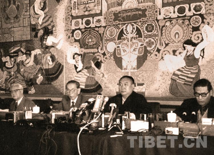 十世班禅大师与人民大会堂壁画《扎西德勒图》