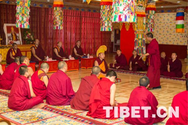 中国藏语系高级佛学院第十四届高级学衔辩经考试在京举行