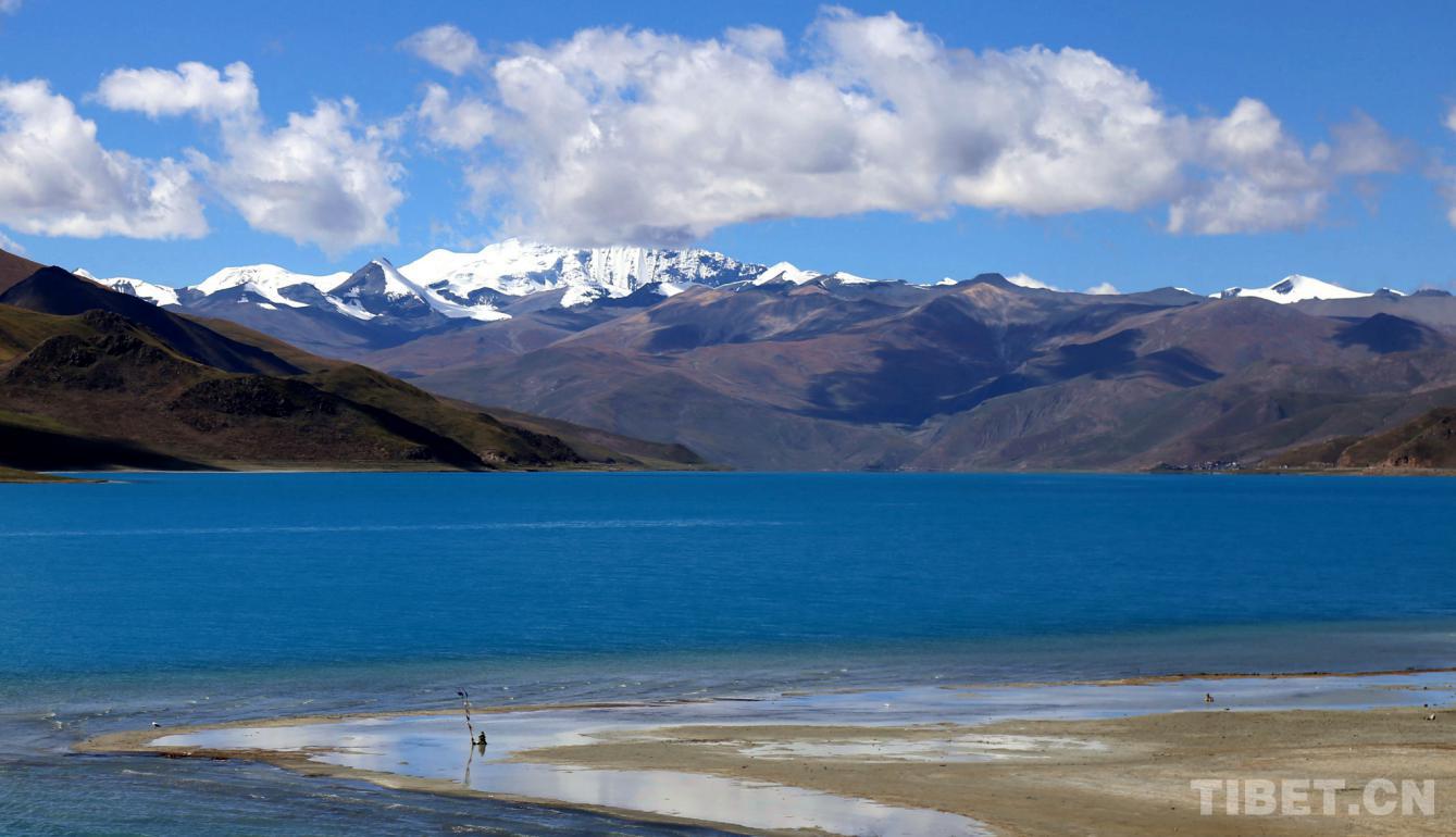 藏地阳光――羊湖