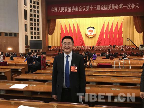 """张骁:""""我是新委员,更是西藏的孩子"""""""