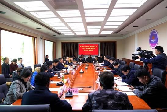 西藏非公经济界代表抚今追昔畅谈新生活