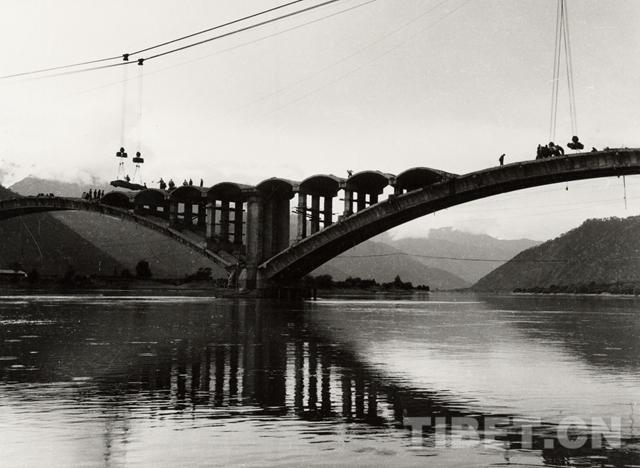 桥梁承载梦想 铺就西藏立体交通网
