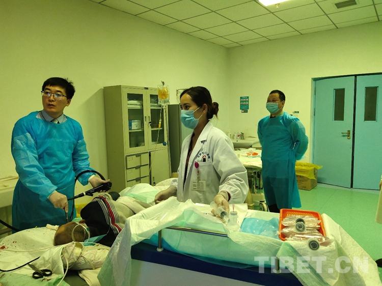 援藏医生魏红涛:成功抢救上消化道出血患者