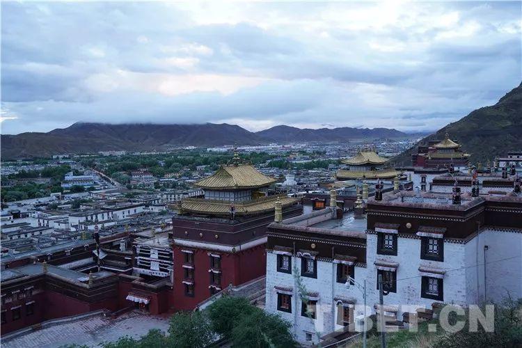 """致敬""""最美逆行者"""":疫情结束后,请来西藏看最美风景"""