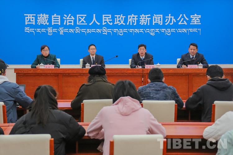 当先锋、作表率,西藏党员干部积极投身疫情防控工作