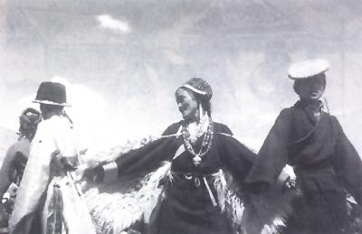 一妻多夫制等婚姻习俗在巴塘地区的演变及原因