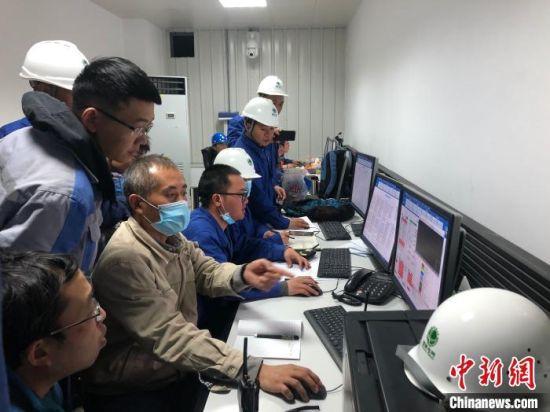 ±800千伏青南换流站调相机首台机组整机启动成功