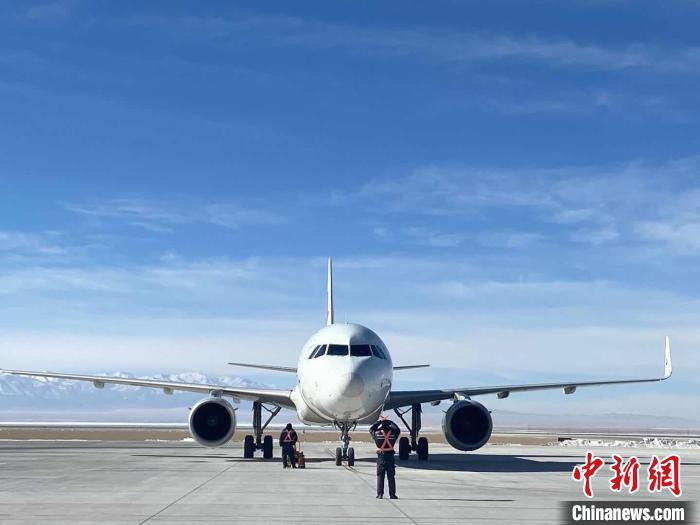 青藏高原最大国际机同类歌词场运营航点光复至39个