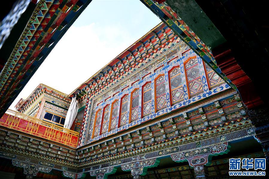 (美丽中国)(5)怒江峡谷沿岸的建筑瑰宝――东坝民居