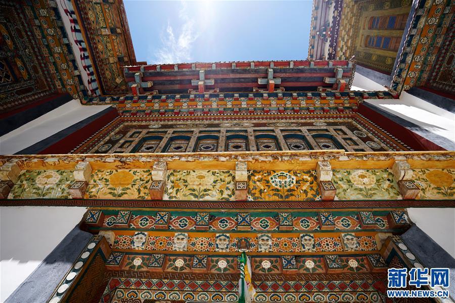 (美丽中国)(7)怒江峡谷沿岸的建筑瑰宝――东坝民居