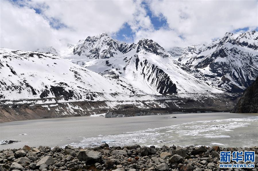 (美丽中国)(3)远眺来古冰川