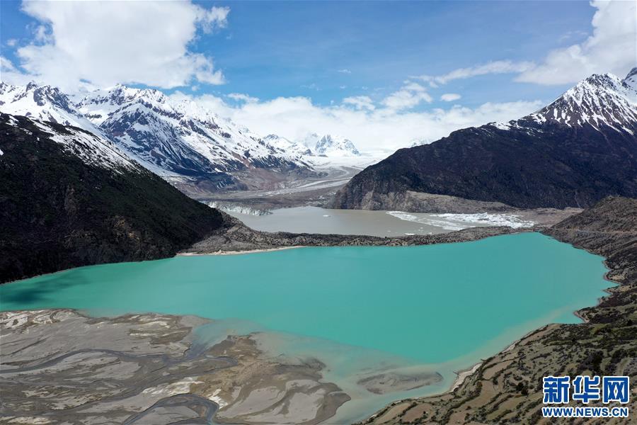 (美丽中国)(4)远眺来古冰川