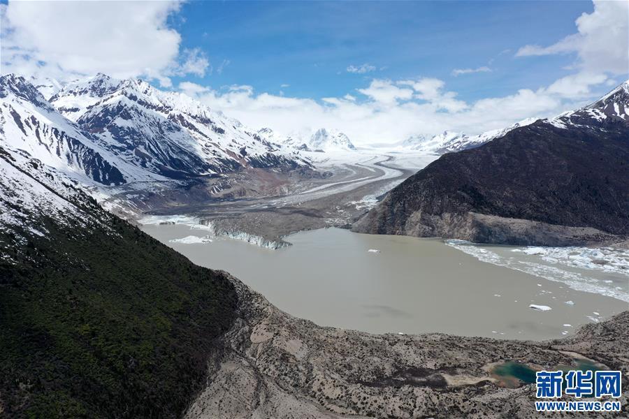 (美丽中国)(8)远眺来古冰川
