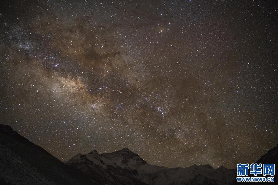 (2020珠峰高程测量)(1)巅峰景致 珠峰日夜
