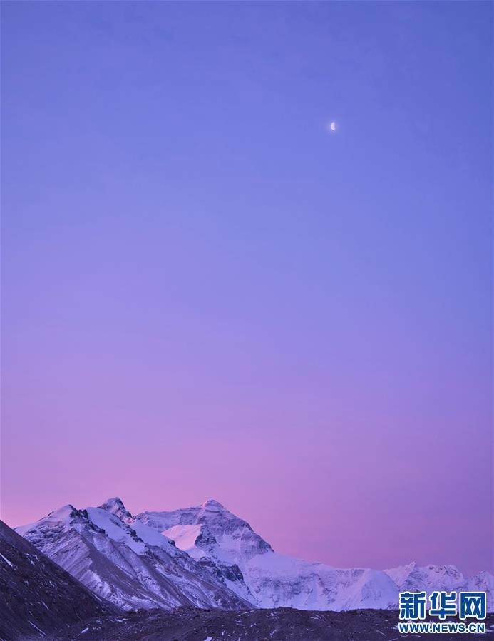 (2020珠峰高程测量)(22)巅峰景致 珠峰日夜