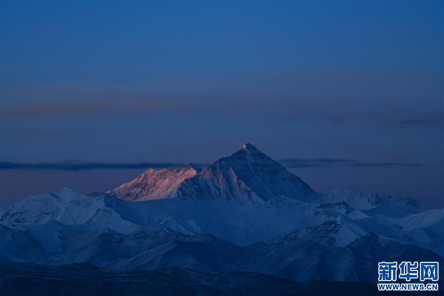 (2020珠峰高程测量)(25)巅峰景致 珠峰日夜