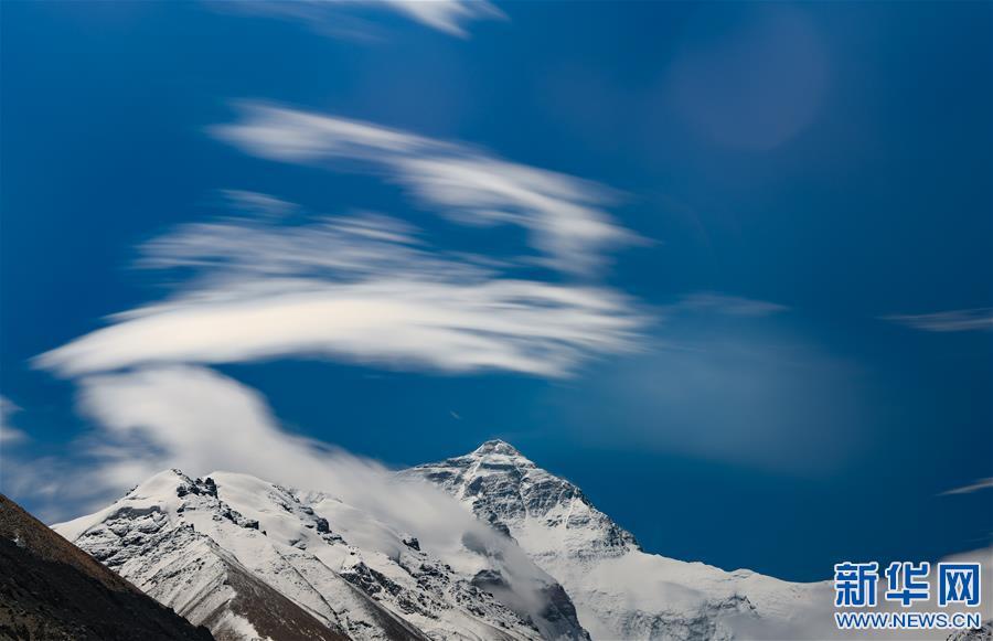(2020珠峰高程测量・新华视界)(10)看珠峰云卷云舒 观巅峰千姿百态