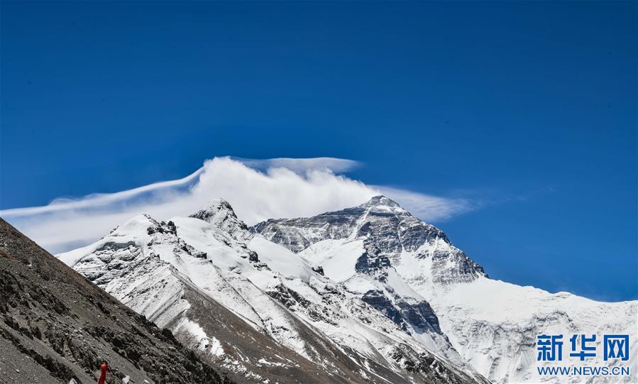 (2020珠峰高程测量・新华视界)(12)看珠峰云卷云舒 观巅峰千姿百态