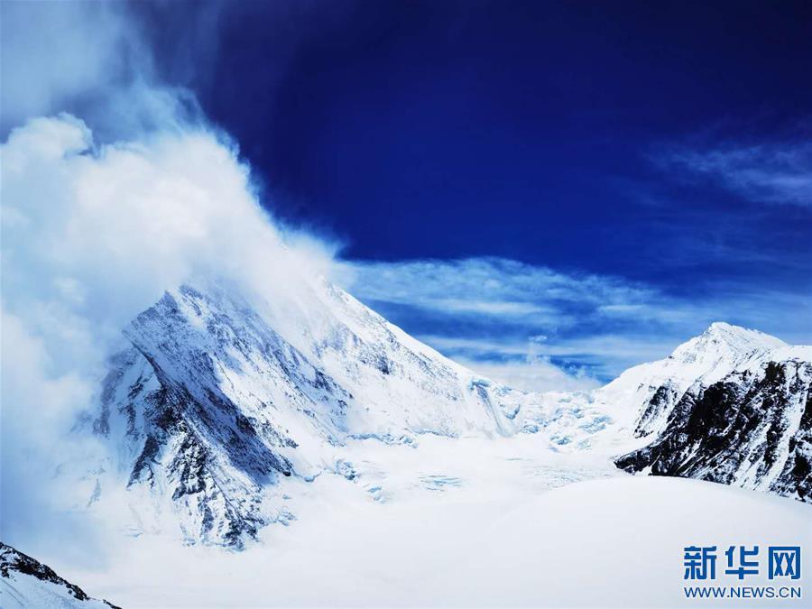 (2020珠峰高程测量・新华视界)(20)看珠峰云卷云舒 观巅峰千姿百态