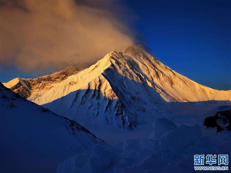 (2020珠峰高程测量・新华视界)(23)看珠峰云卷云舒 观巅峰千姿百态