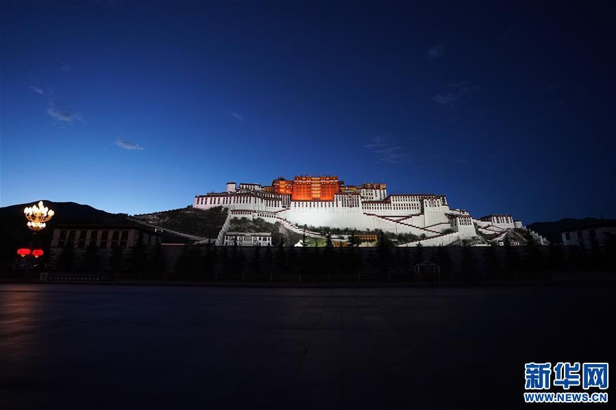 (新华视界)(1)布达拉宫夜色