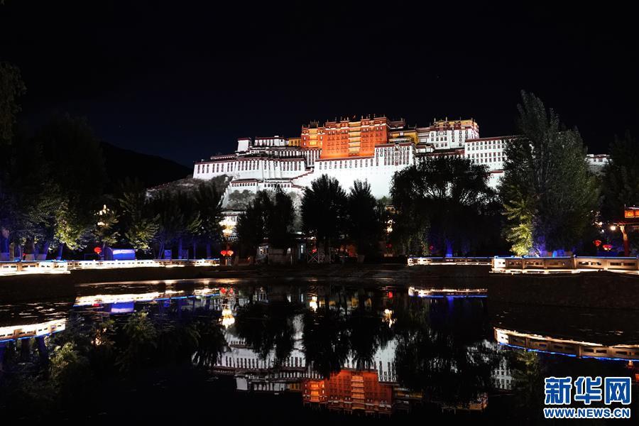 (新华视界)(2)布达拉宫夜色