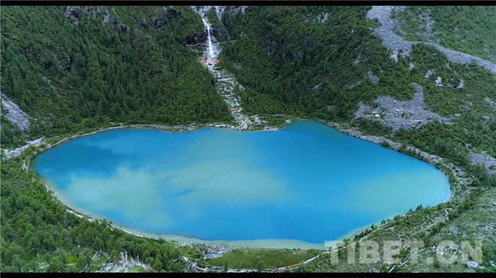 四川道孚:亚拉雪山景区正式开放