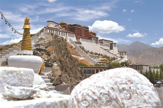 """""""冬游西藏""""助力拉萨市旅游发展"""