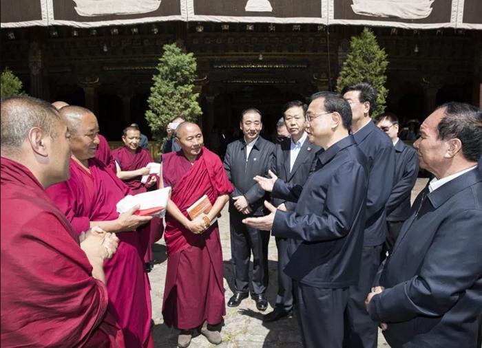 注意!李克强总理来到大昭寺 问了这两个问题